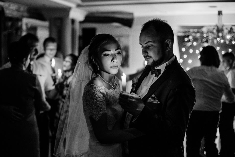 taniec przy świecach wesele ślub